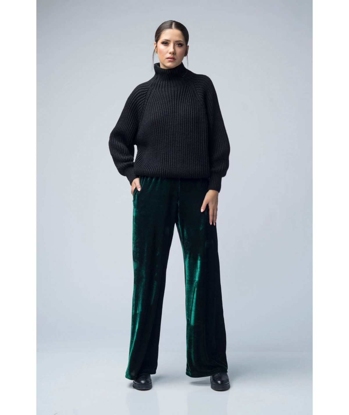 Women's wide velvet trousers